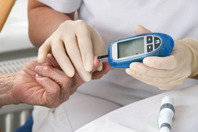 Diabetes na terceira idade? Saiba como lidar