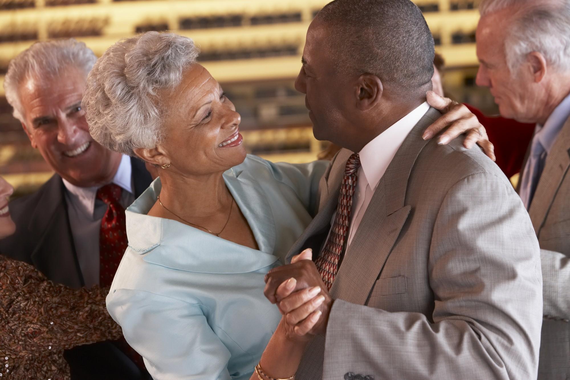 Os benefícios da dança para os idosos