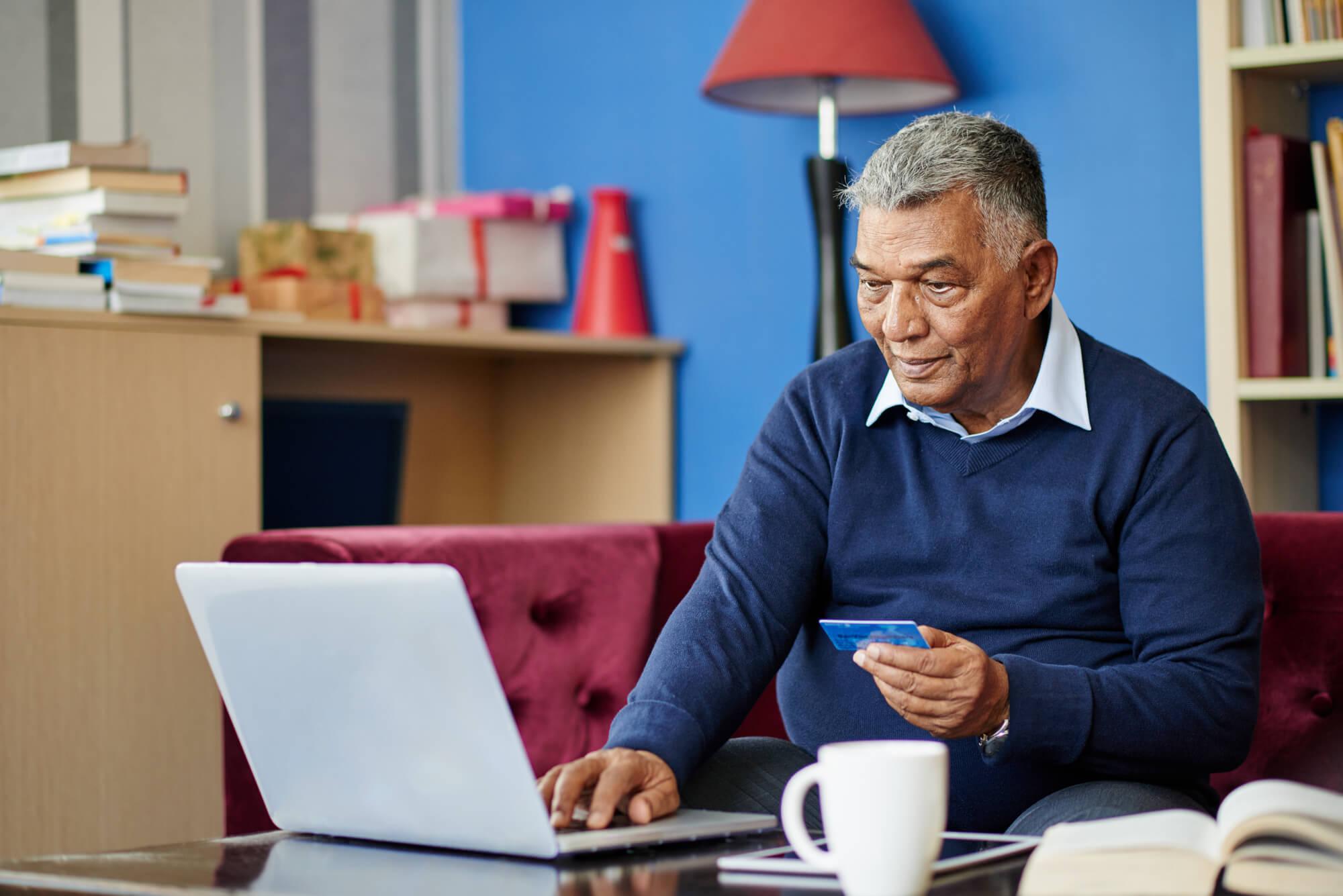 Terceira idade online confira os beneficios