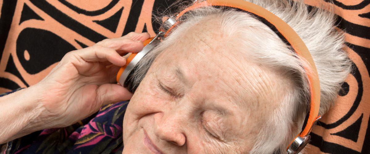 """""""Música pode ser aliada no tratamento do Alzheimer"""""""