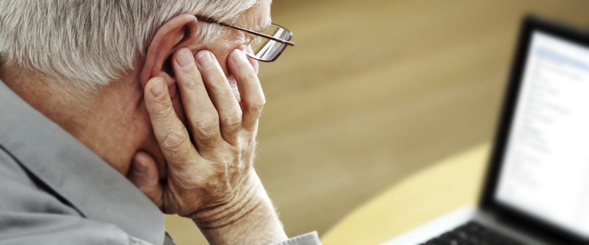 Internet e uso de computador pode ajudar idosos no combate à solidão