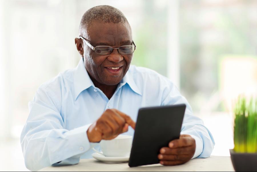 jovens idosos quem mexe mais no computador