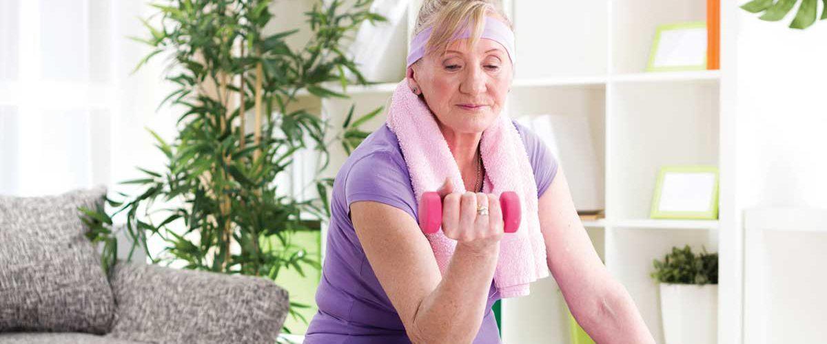 Dicas de exercícios para idosos fazerem em casa