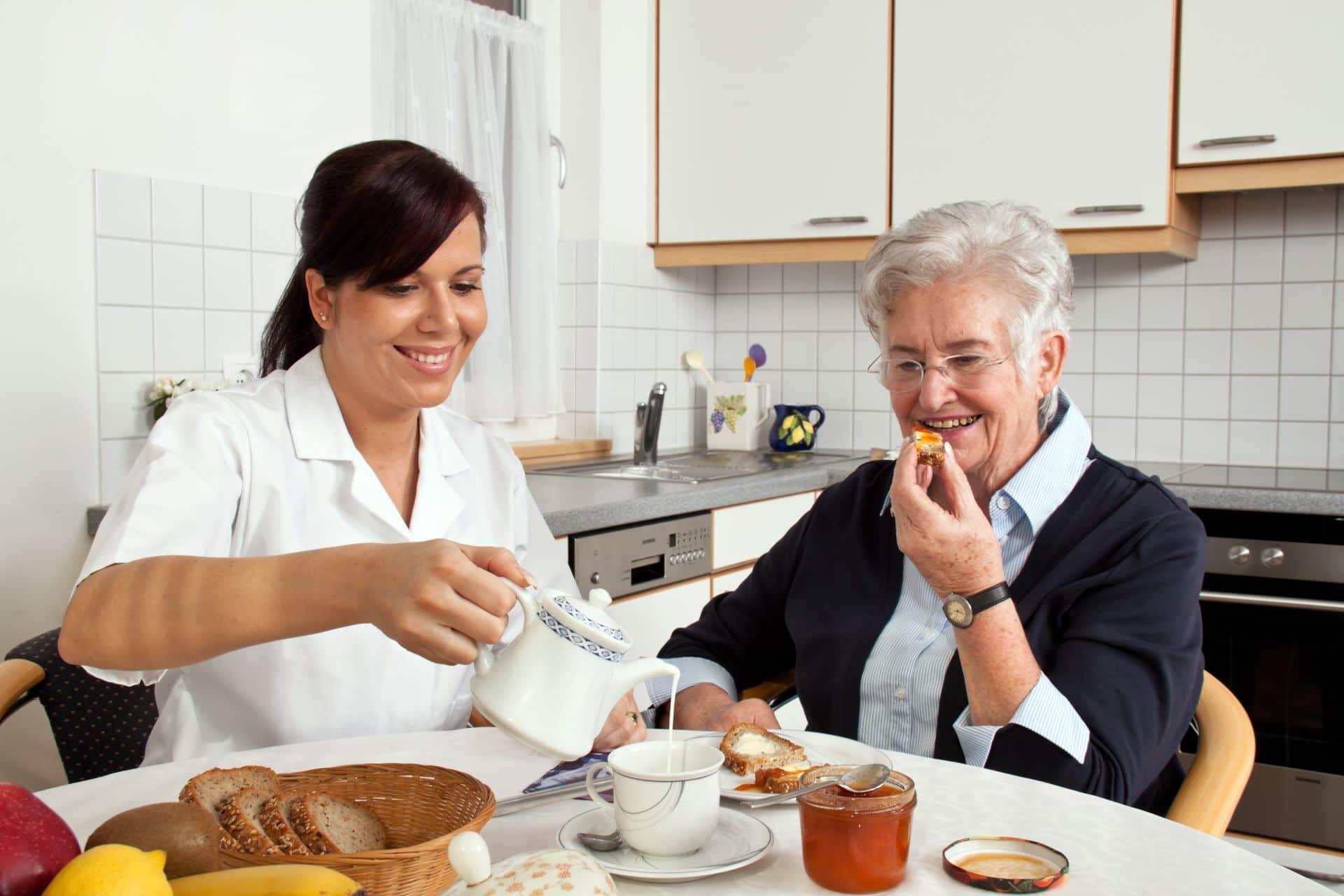cuidados-com-idosos-em-casa