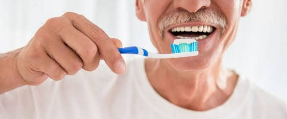 Cuidados com a saúde bucal do idoso