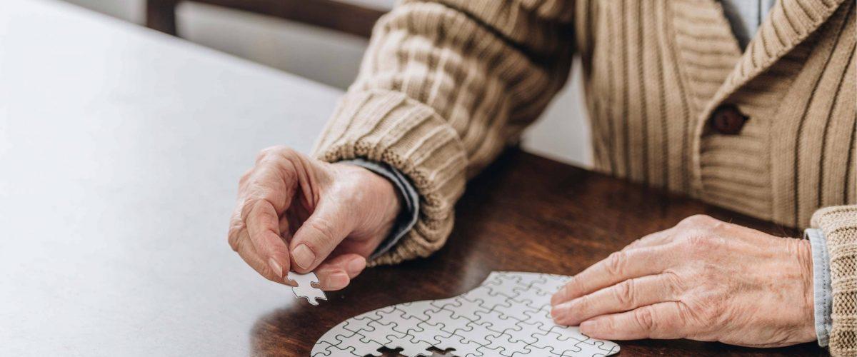 O número de pacientes vítimas do alzheimer só cresce a cada dia. Confira 5 fatos sobre a doença que todo mundo precisa saber.