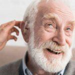 benefícios aparelho auditivo idosos